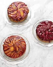 Yum!: Summer Fruit, Upsidedown Cakes, Cakes Recipes, Fruit Cakes, Upside Down Cakes, Plum Recipes, Martha Baking, Apricot Upside Down, Fruit Desserts