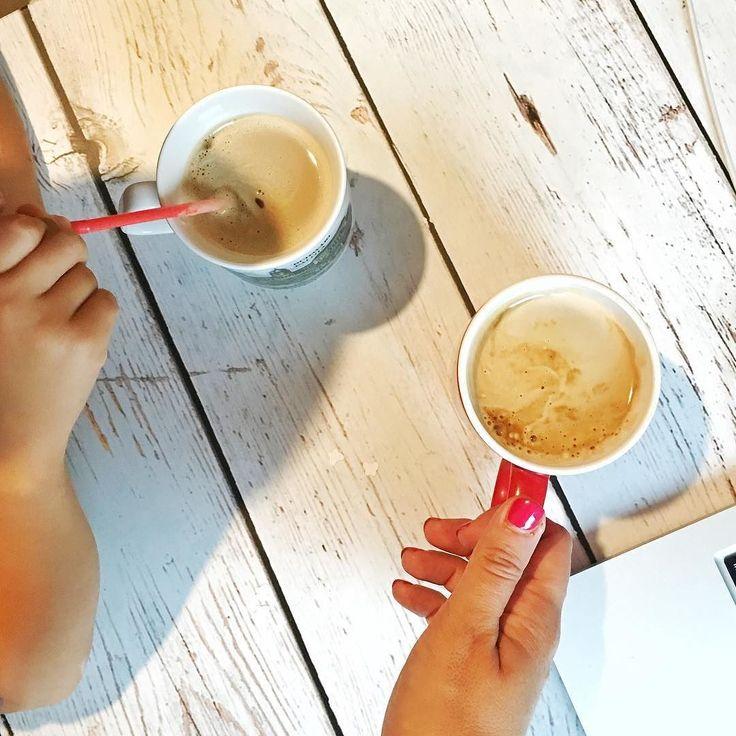 Sobotnia kawka z dziećmi. W drugim kubku oczywiście inka  Miłej soboty!!! #saturday #weekend #relaks #relax #goodmorning #dziendobry #dzieńdobry #psc #paniswojegoczasu