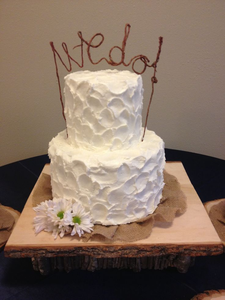how to ice rustic wedding cake rustic wedding cake buttercream icing burlap wood cake 15756