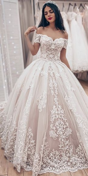 [316.80] Dazzling Tulle Off-the-shoulder Neckline Ball Gown Wedding Dresses With Lace Appliques