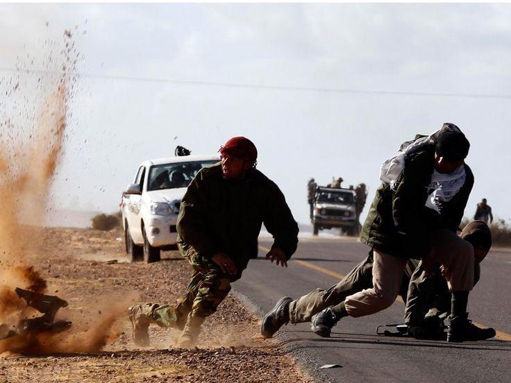 Combate entre miembros del Isis y fuerzas militares internacionales