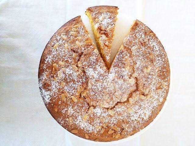 : Italian Almond and Carrot Cake