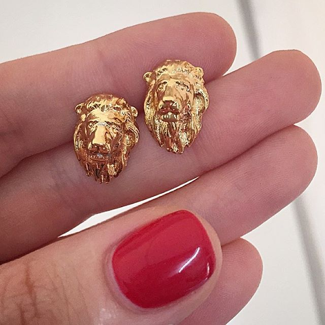 ✨ Lions ✨  These signature #lion studs are hand carved by Bill in studio then finished in 18ct #Gold!  Head over to our website to see what we have waiting for you in our best #sale yet! ✨ #BillSkinner #lionjewellery #lionjewelry #GoldLion #handcarved