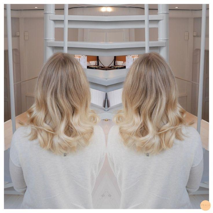 Mjuk och naturlig bliond sombre Soft and natural blonde sombre
