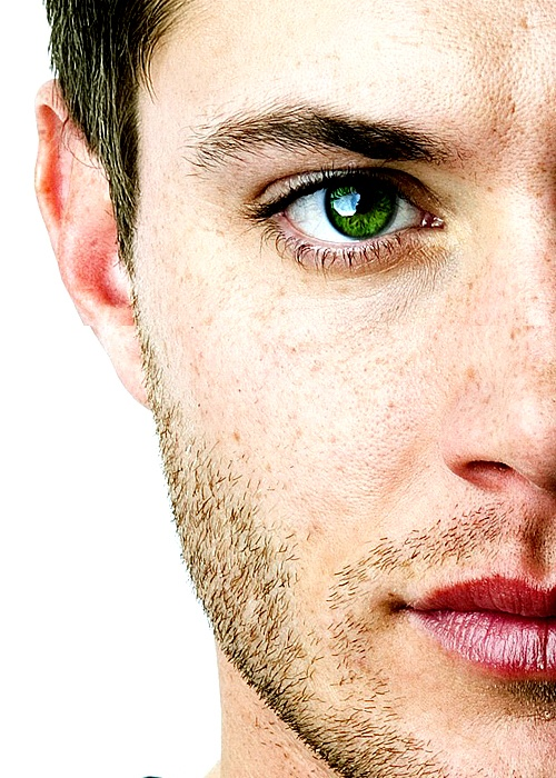 Jensen Ackles.  My god. Those eyes.......