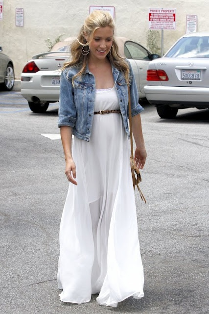 i really love this look of a flowing dress, made casual with the denim jacket- the hair also gives it such a casual cute look! <3