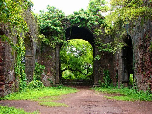 Sublime: Arches, Ruins Colour, Posts, Sublime, India, Bassein Forts, Architecture, Photo