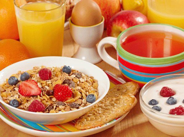 Saltarte el #desayuno te engorda. Mira 10 recetas muy nutritivas y bajas en calorías.