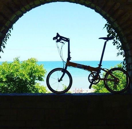 Yeni bir güne merhaba  #bisiklet #bisikletliulasim #bisikletliyaşam #bisikletturu #bisikletkeyfi #bubisiklet #mersinbisiklet #manzara #cuma #katlanırbisiklet #deniz