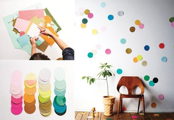 E que tal decorar a parede? Bastar recortar vários círculos coloridos e colar! O menores você pode simplesmente jogar no chão! Muitos confetes no ar!