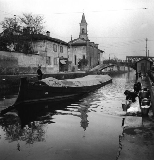 Mario De Biasi, Naviglio a San Cristoforo, Milano, anni '50