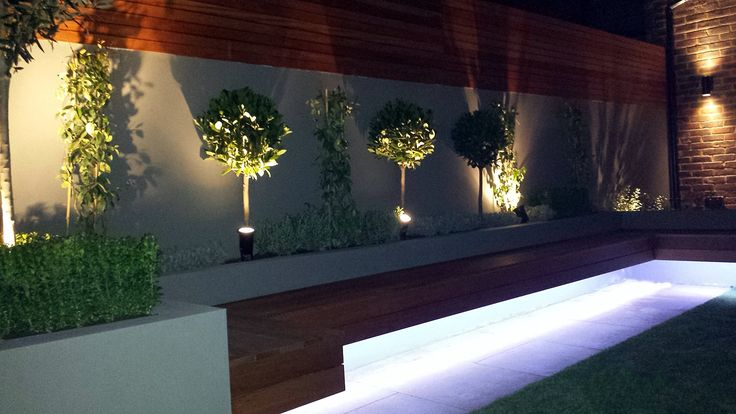 Modern-garden-design-ideas-great-lighting-fireplace-hardwood-screen-plastered-rendered-walls-clapham-battersea-south-west-london-LED-strip-lights-landscaping.jpg (1600×900)
