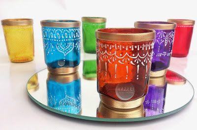 Copos tipos marroquinos, com tinta verniz vitral, tinta relevo e spray dourado