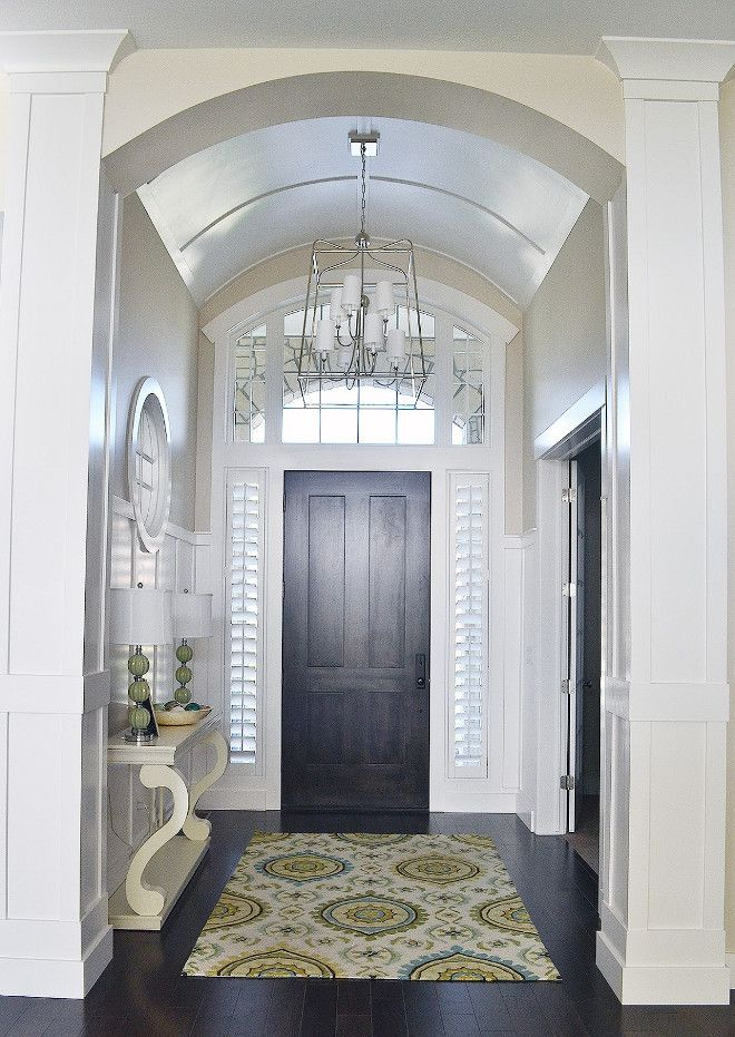 Foyer lighting and ceiling