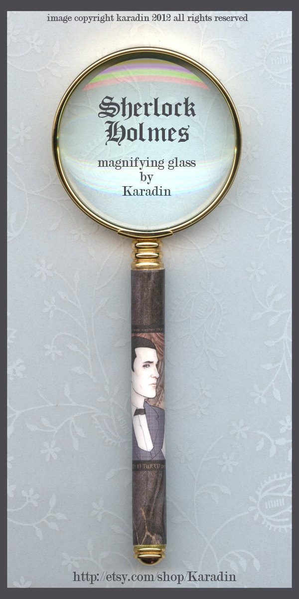 Classic Sherlock Holmes Gold Magnifying Glass.