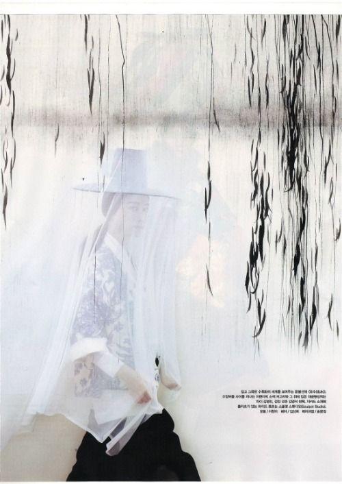 Modern Hanbok design by Tchai Kim youngjin