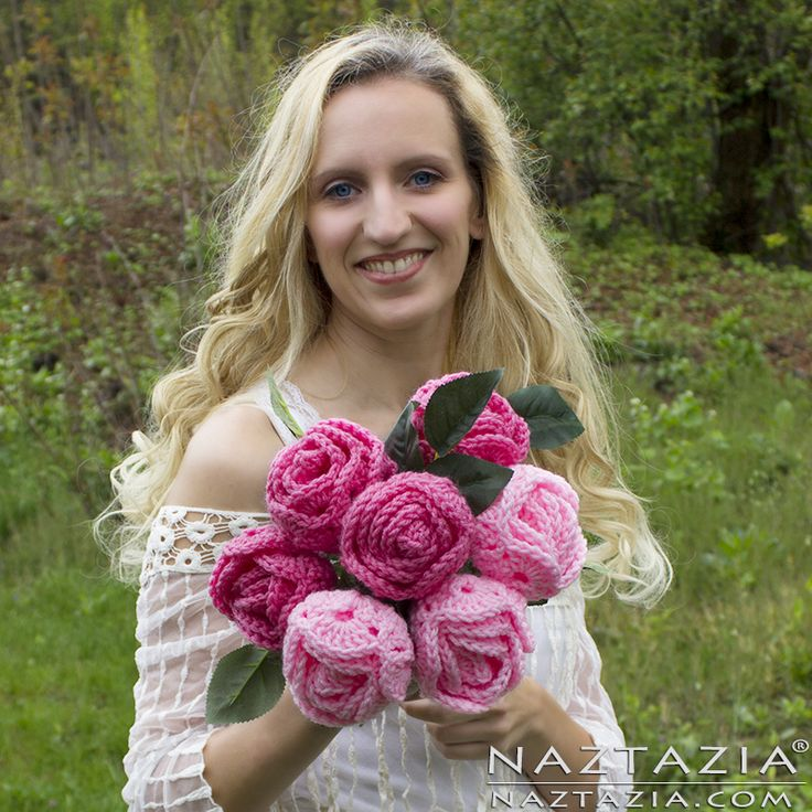 DIY Free Pattern and YouTube Tutorial Video Easy Crochet Crocheted Rose Roses Flower Flowers Rosa Rosas Prom Wedding Bouquet by Donna Wolfe from Naztazia