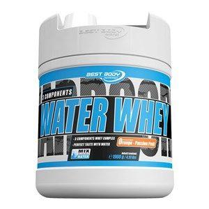 Das Water Whey von Best Body Nutrition ist ein 3 Komponenten-Wheyprotein aus Wheyproteinkonzentrat, -isolat und -hydrolysat. Das besondere Highlight dieses Eiweißpulvers ist der ausgezeichnete Geschmack und die perfekte Löslichkeit beim Mischen mit Wasser. Somit sparst du das zusätzliche Fett und die Kohlenhydrate aus der Milch. Doch was schon mit Wasser extrem lecker schmeckt, schmeckt mit Milch noch besser!