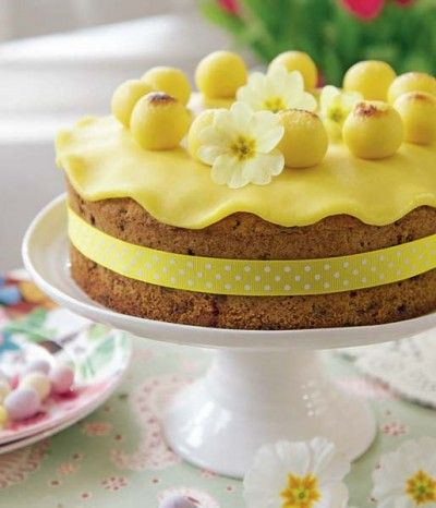 Easter Simnel Cake...  Makes: 1 x20cm (8in) Cake... Prep Time: 30 minutes... Ready in: about 2 hours...