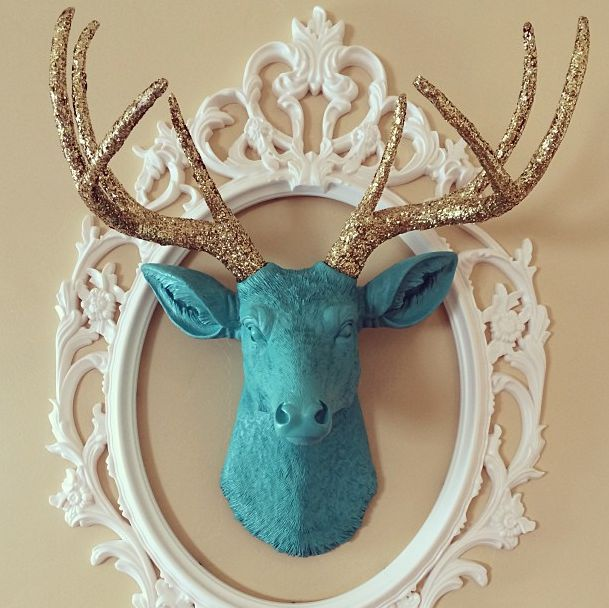 How perfect is this custom deer head? Turquoise w/gold glitter antlers? Turned out gorgeous!