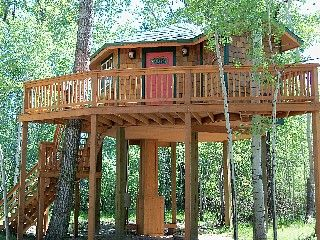 Bozeman Cottage Rental: 'humming Bird' Treehouse | HomeAway