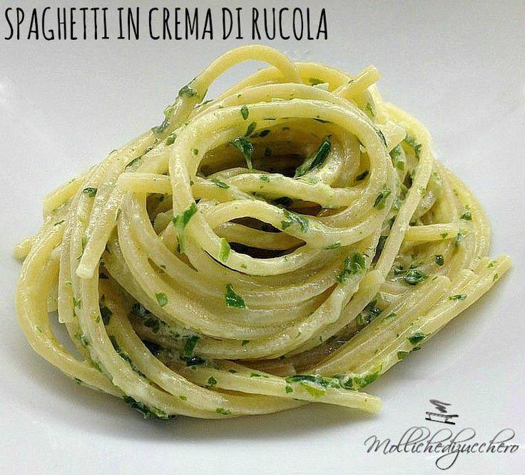 Spaghetti con crema di rucola e robiola
