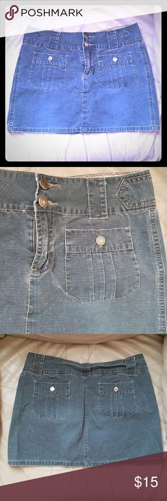 Cute American Eagle jean type skirt Hello! 100% cotton. Enjoy! American Eagle Outfitters Skirts Mini
