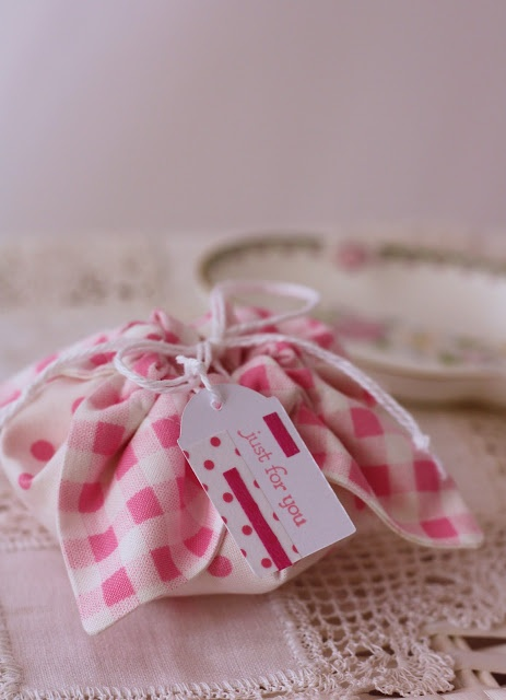 Fabric Gift Pouch | A Spoonful of Sugar She made ones with CHRISTMAS FABRIC too...how fun!