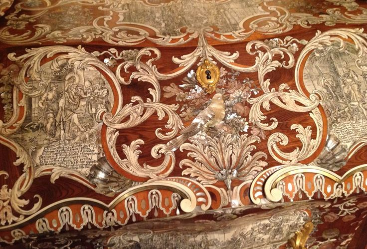17 best images about marquetry masterpieces on pinterest for Mobili 700 siciliano
