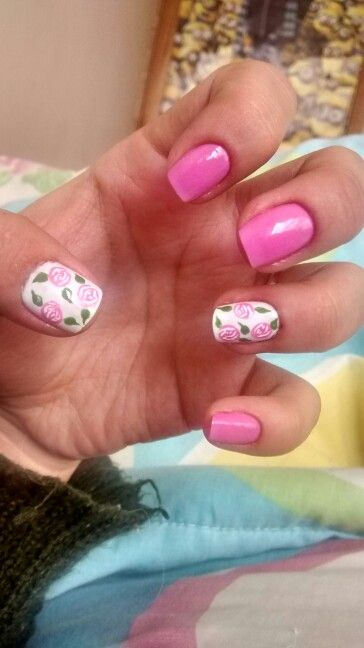 Flowers pink - nail art