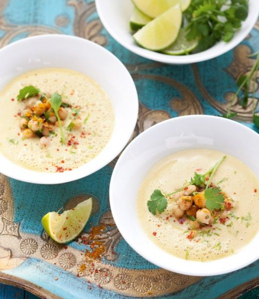 Kalte Buttermilchsuppe mit Gemüse und Limette