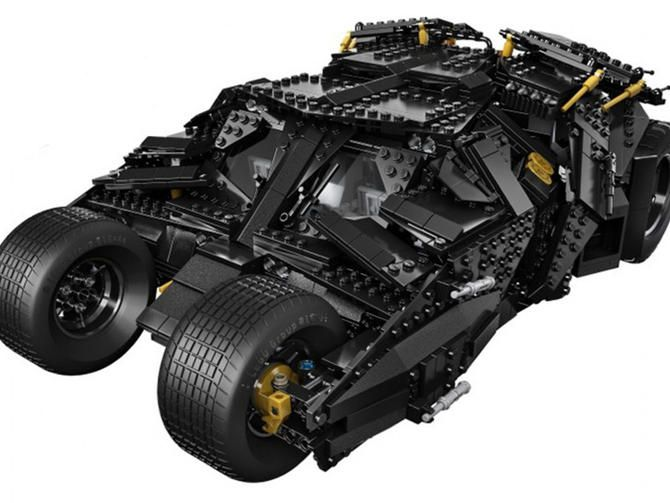 Batman joins forces with Lego for epic Tumbler kit - CNET