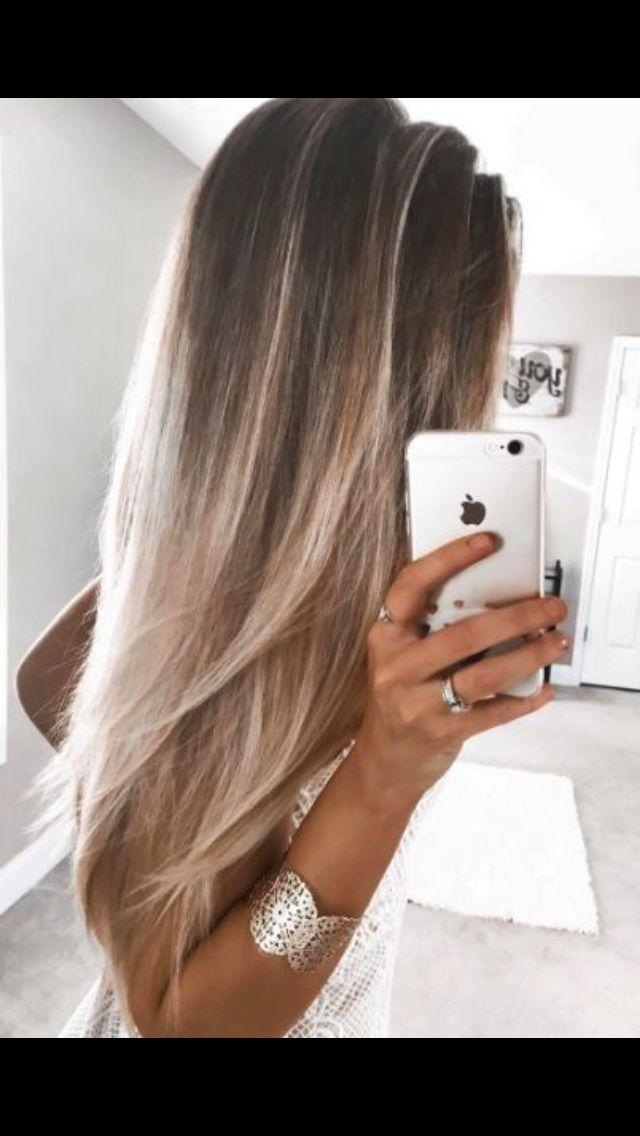 Tanned skin, sandy hair ❤️
