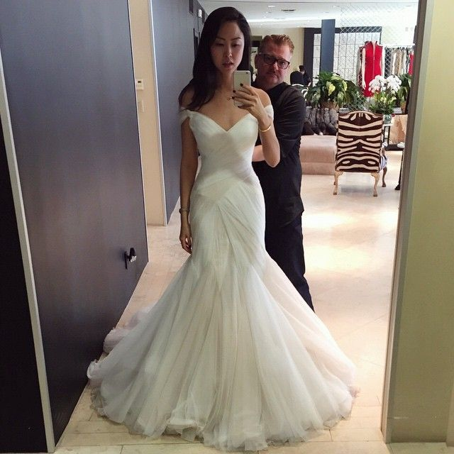 Mark Zunino's dresses have the best corsets in them. Loved this off the shoulder one! #cantbreathe #worthit http://gelinshop.com/ppost/548805904576532694/