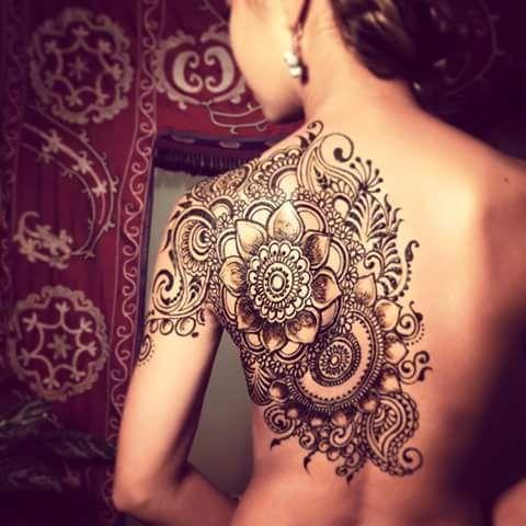 Shoulder and back flower and swirls henna *auchhabenwill #tattoos #mandala #shoulder #back
