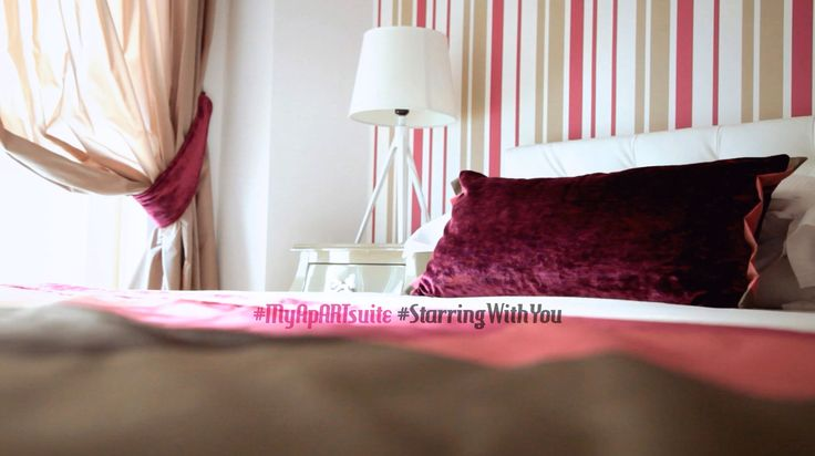You can travel throught time and space by music. Con la musica si viaggia in ogni luogo e nel tempo One story, your stories.. #MyApARTsuite #starringwithyou  The suite in #Rome starring with you