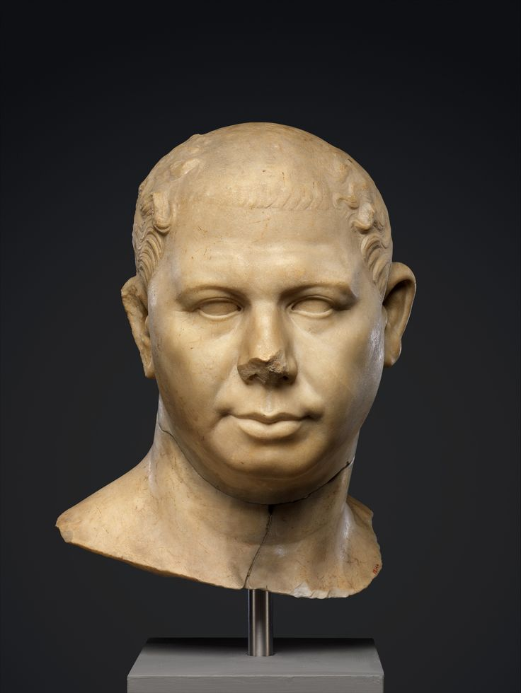 republican roman bust of a man The bust shows an old man, clean-shaven and with closely-cropped hair, indicated with rows of simple shallow gouges on the head the details of his face are closely observed, especially his rather small eyes and the jowls and cheeks, which are quite heavy and sagging.