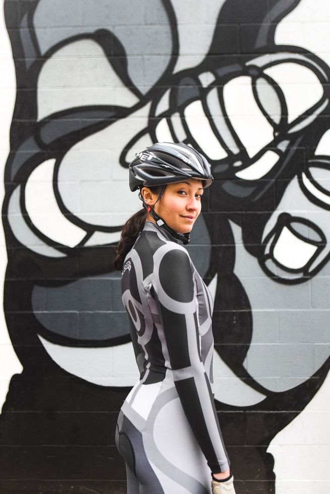 CBNC got David Flores to design an ENDO skinsuit based on his unique style. Modeled by one of their team riders .... MEL