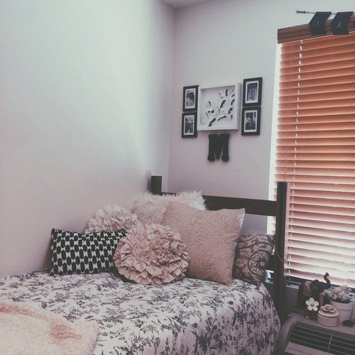 home and decorate 17 best ideas about dorms decor on college 10265