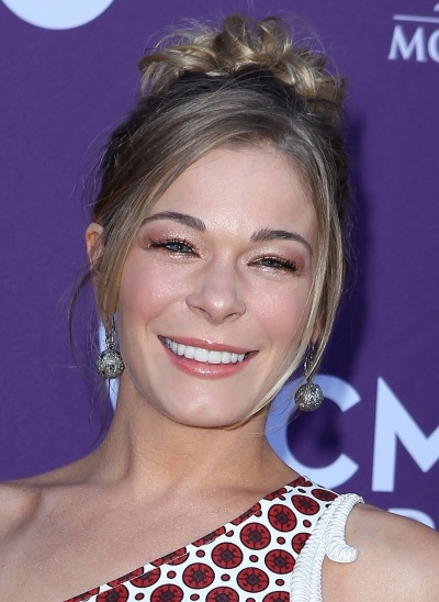 LeAnn Rimes curly updoLeanne Rimessss, Curly Updo, Rime Curly, Updo Hair And Beautiful