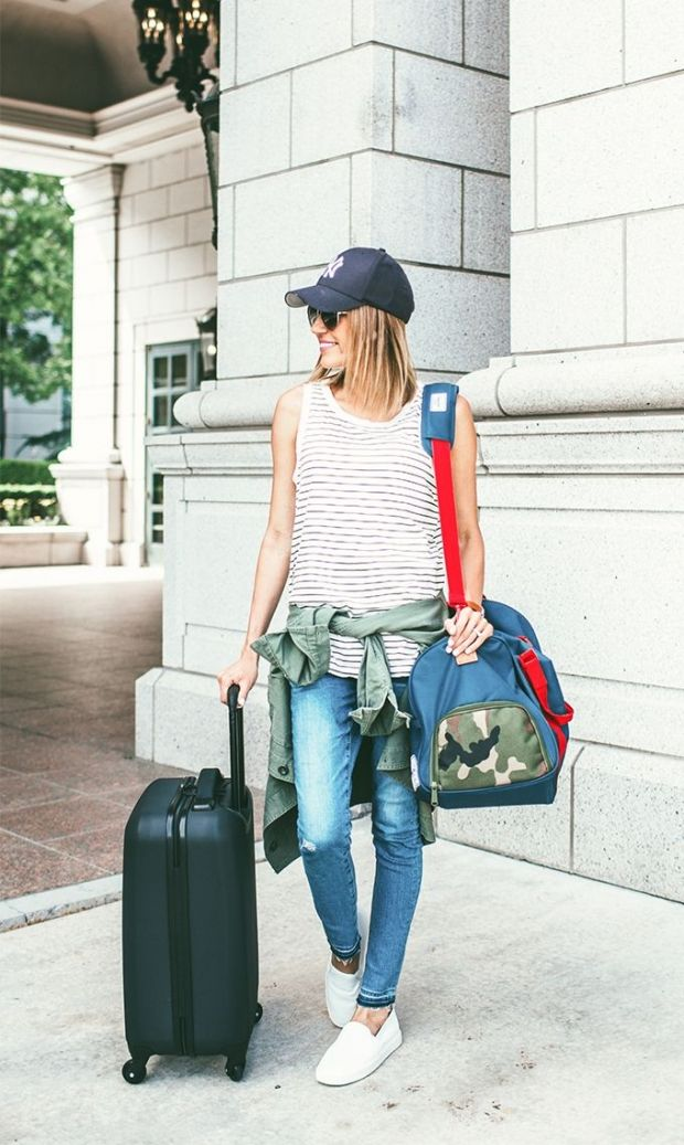 13 Essential College Uniforms Every Collegiette Needs to Own | Her Campus
