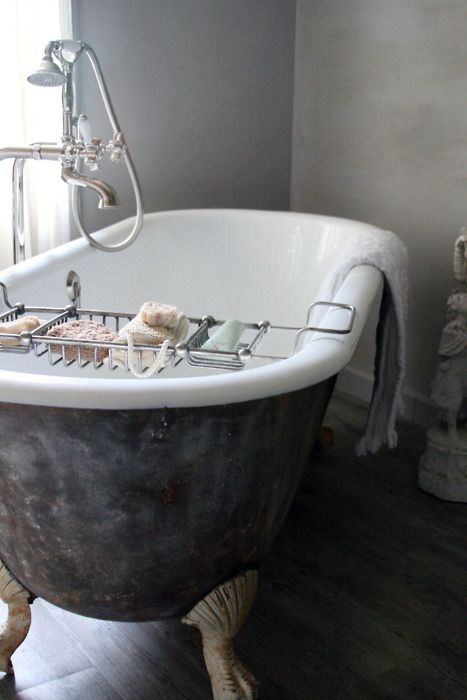 25 best images about clawfoot stand alone tubs on pinterest copper bath tubs and clawfoot tubs. Black Bedroom Furniture Sets. Home Design Ideas