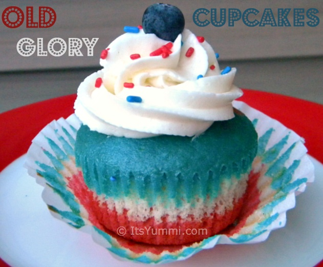 Old Glory Patriotic Cupcakes from ItsYummi.com