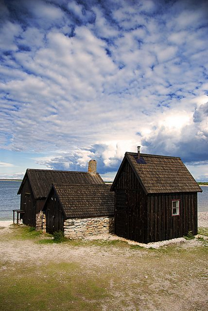 Three little houses. by Palentino, via Flickr
