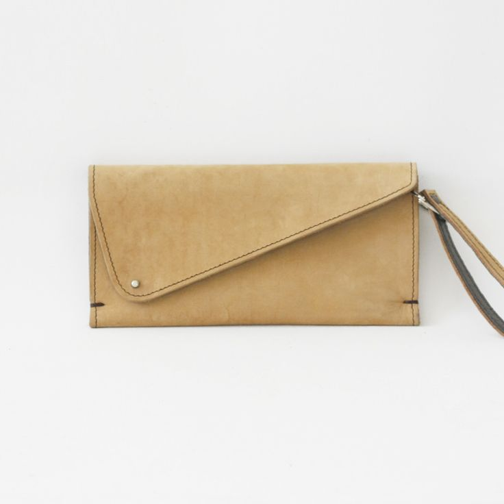 Handmade leather bags by Urban Africa | South African design | www.districtsix.de