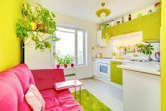 Яркая зелено-желтая однушка в Москве, 32 кв.м