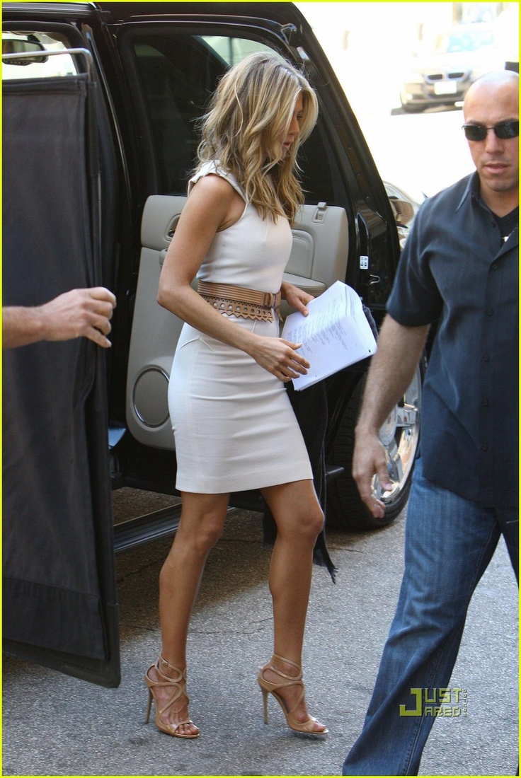 Jennifer Aniston...her hair and style