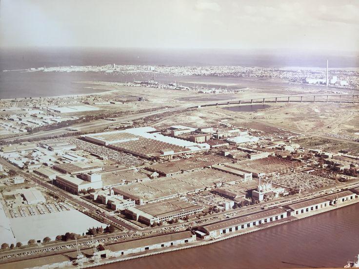 Fisherman's Bend, Port Melbourne, Victoria, 3207, 1975. Holden and the Westgate Bridge.