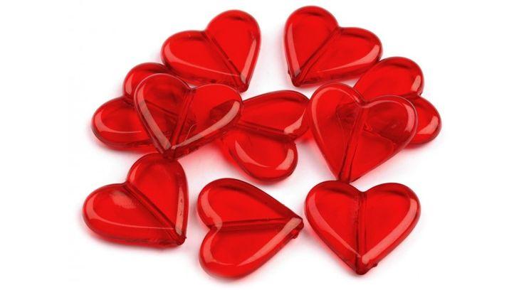 Szív formájú műanyag dekorációs csomag - piros - Dekorációs kiegészítők - Gombolda Webáruház