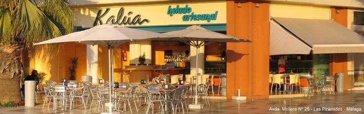 Visítanos en Málaga en cualquiera de nuestras cinco direcciones y disfrutarás con nosotros de la inigualable calidad de una verdadero helado artesanal.